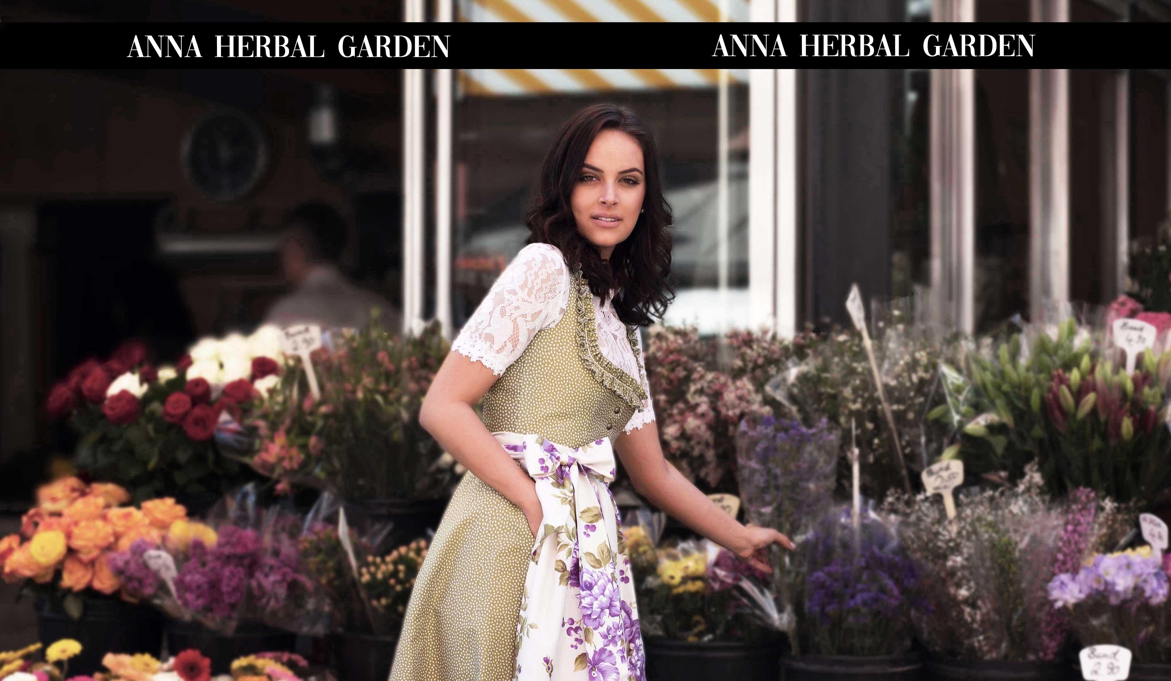Lookbook 2019 ANNA, feminine Doppelrüschen mit beidseitigem Rollsaum und feiner Zackenlitze prägen den zeitlose Balkonettausschnitt.