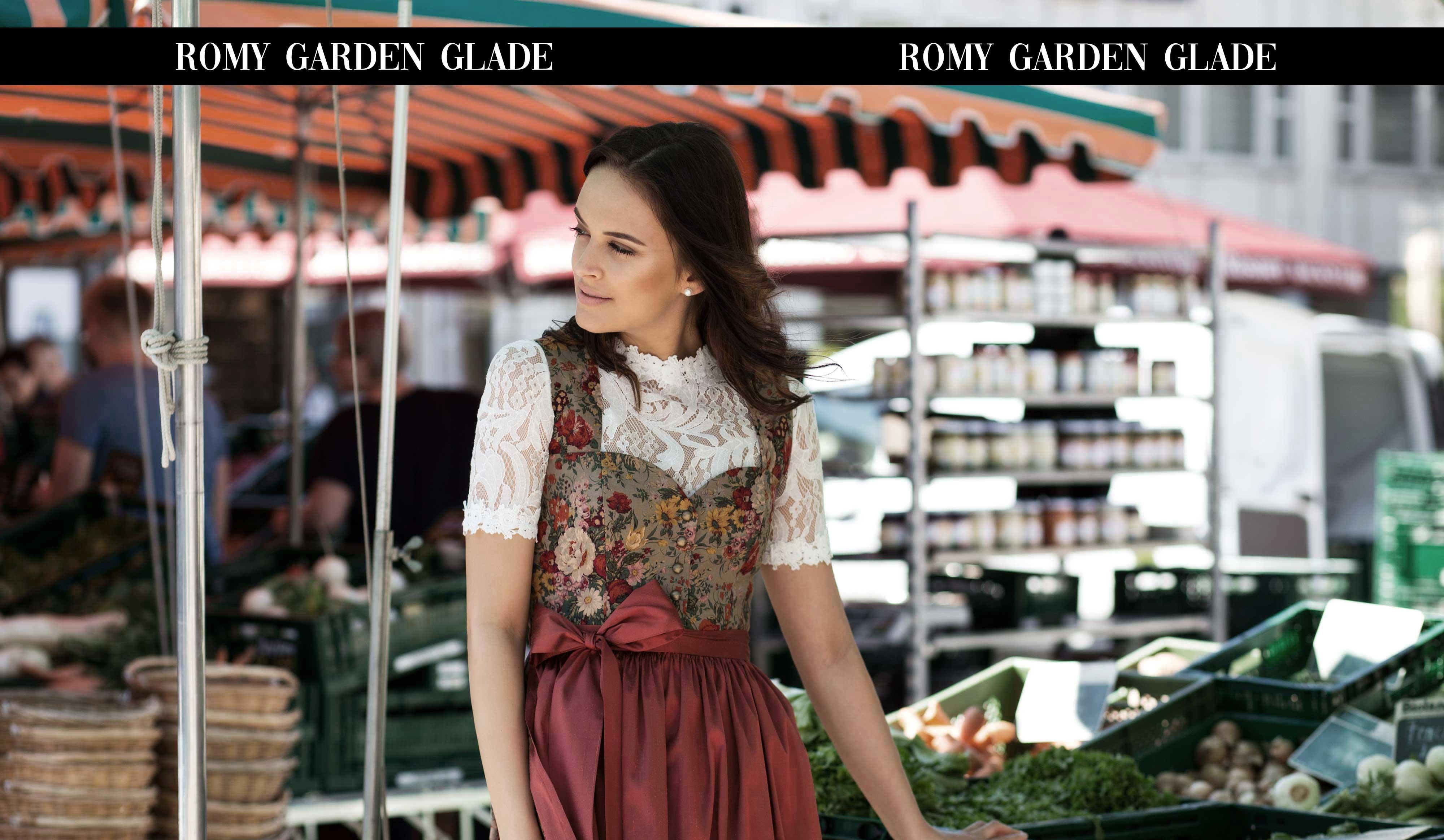 Lookbook 2019 ROMY, sommerliches Dirndlkleid mit hohem Herzausschnitt und breiten Trägern.